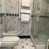 Superior Double Room Single Use - Bathroom