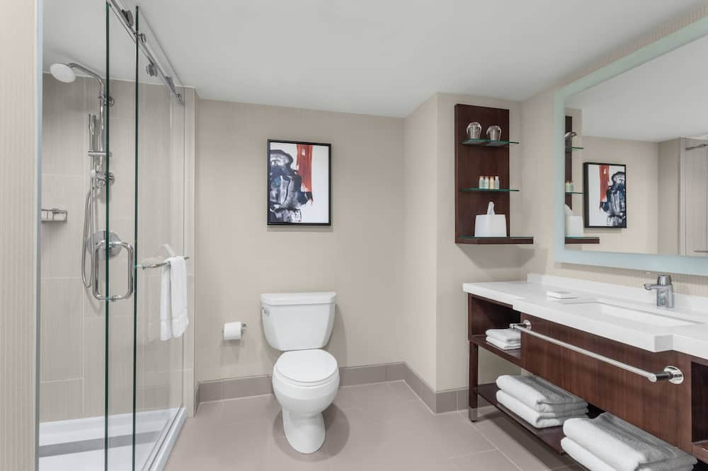Premium Room, 1 King Bed, Non Smoking (High Floor) - Bathroom