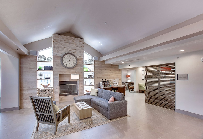 Country Inn & Suites by Radisson, Wichita East, KS, Wichita, Lobby