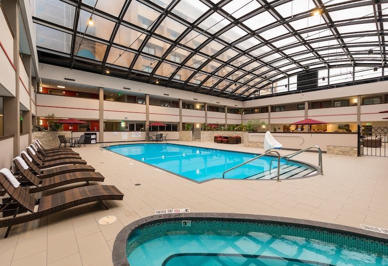 Brookfield Milwaukee Hotel, Brukfildas, Baseinas