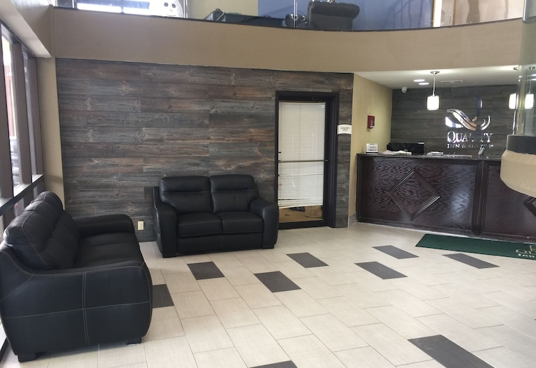 Quality Inn & Suites, Florence, Lobby Sitting Area