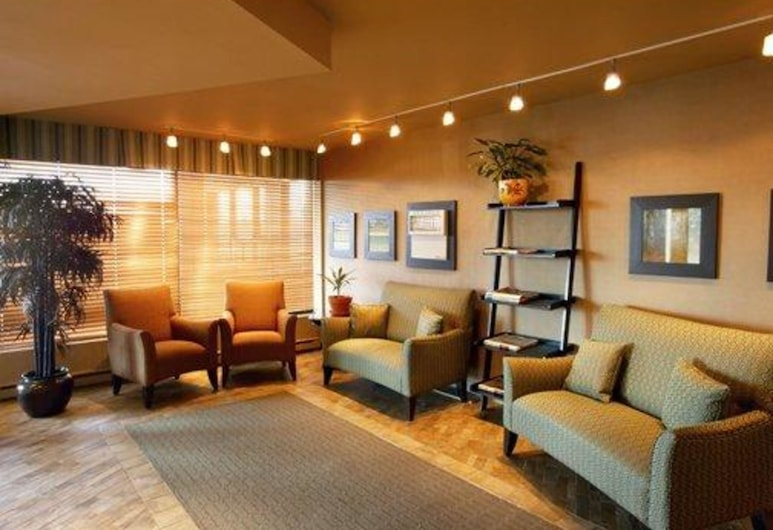 Quality Inn & Suites P.E. Trudeau Airport, Dorval, Anddyri