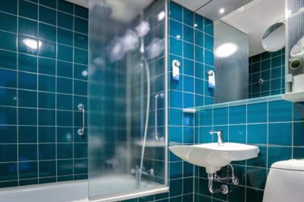 Standardværelse - handicapvenligt - Badeværelse