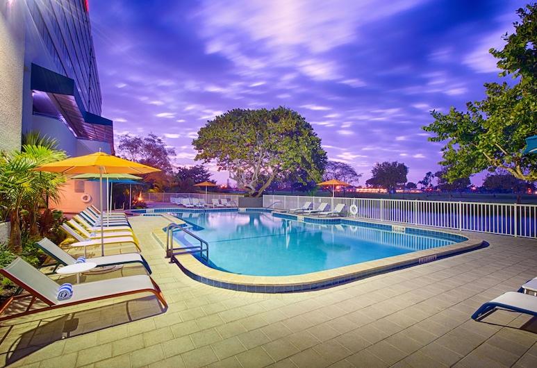 Sheraton Miami Airport Hotel & Executive Meeting Center, Miami, Pool