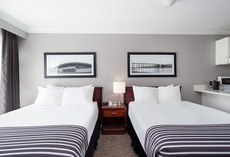 Sandman Inn Kamloops, Kamloops, Suite, 2 Double Beds, Guest Room