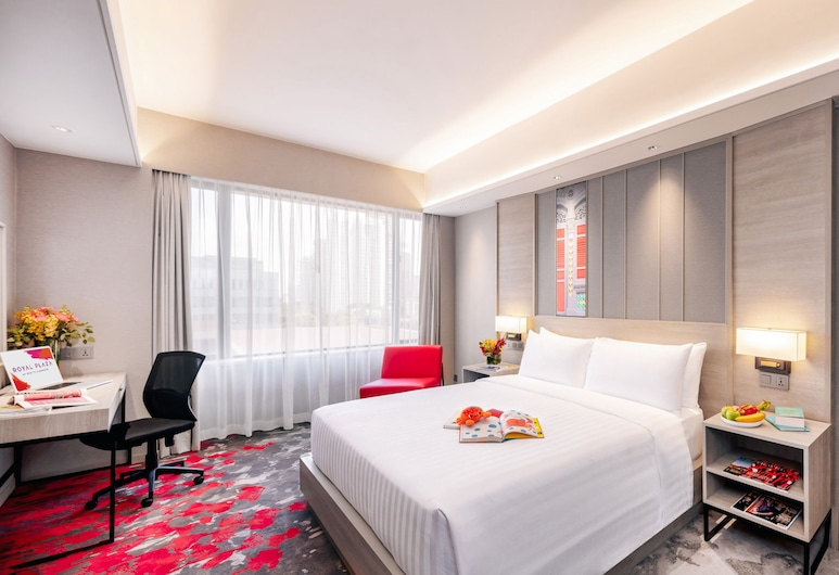 Royal Plaza on Scotts, Singapore, Deluxe Room, 1 King Bed, Guest Room