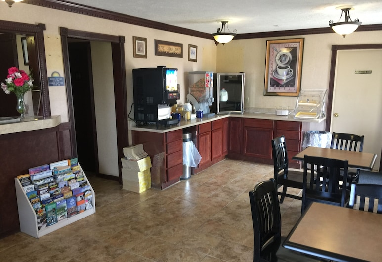 Kansas Inn, Претт, Фойє