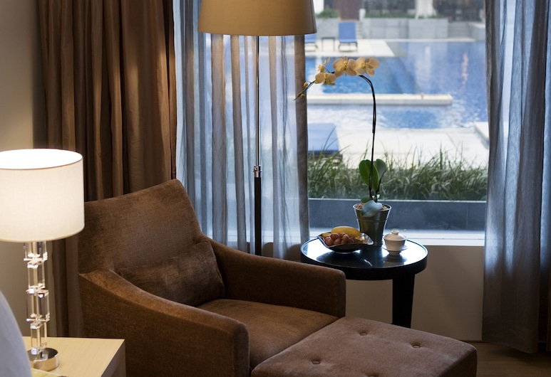 Singapore Marriott Tang Plaza Hotel (SG Clean), Singapore, Club Room, 1 King Bed, Non Smoking, Terrace, Guest Room