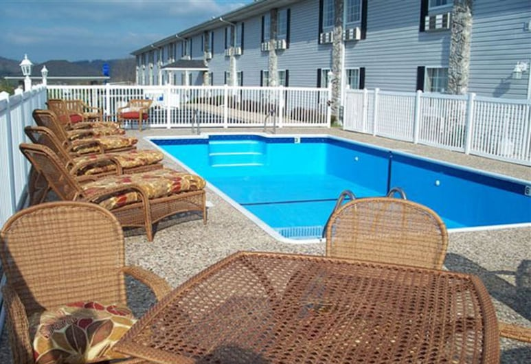 All American Inn and Suites, Branson, Outdoor Pool
