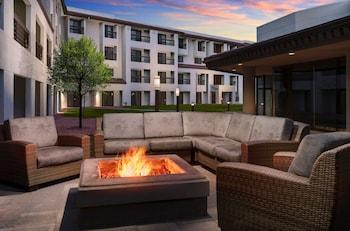 תמונה של DoubleTree by Hilton Colorado Springs בקולורדו ספרינגס
