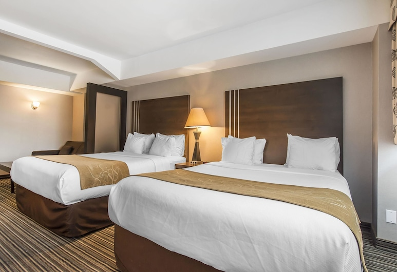 Comfort Suites Downtown, Montreal, Standard Room, 2 Queen beds with sofabed, Guest Room