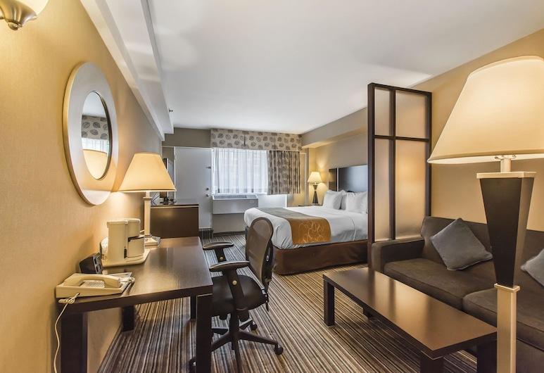 Comfort Suites Downtown, มอนทรีออล, ห้องสวีท, เตียงคิงไซส์ 1 เตียง และโซฟาเบด, วิวเมือง, ห้องพัก