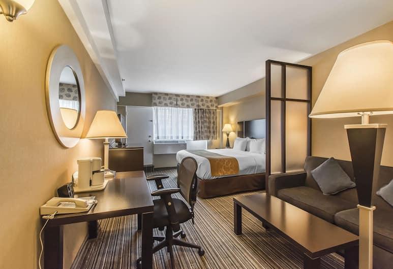 Comfort Suites Downtown, Montreal, Lakosztály, 1 king (extra méretű) franciaágy és egy kihúzható kanapé, kilátással a városra, Vendégszoba