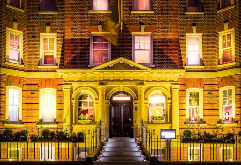 Ten Manchester Street, London, Hotelfassade