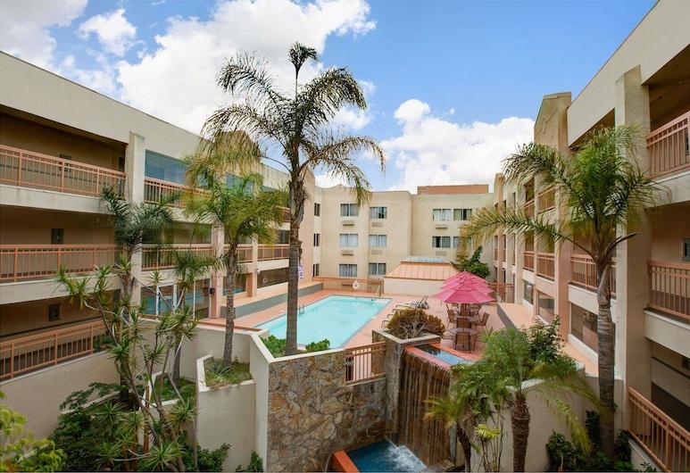 霍桑 LAX / 洛杉磯體育場溫德姆華美達飯店, 霍桑, 游泳池