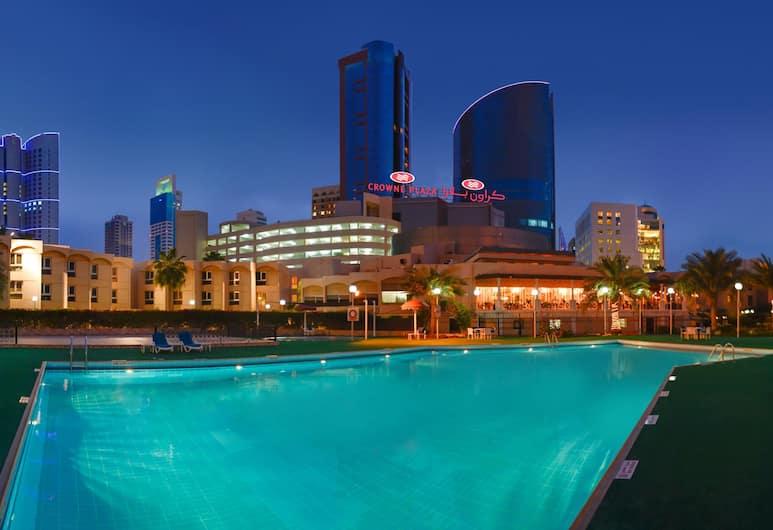 كراون بلازا البحرين, المنامة, حمّام سباحة خارجي