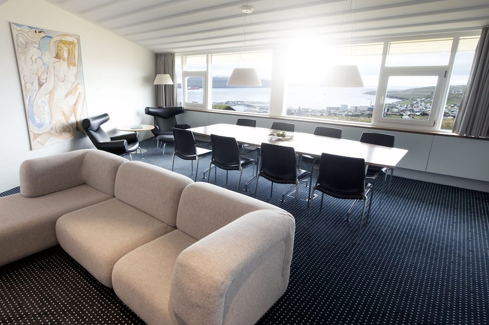 Prime Minister Room with Sea View - Woonkamer
