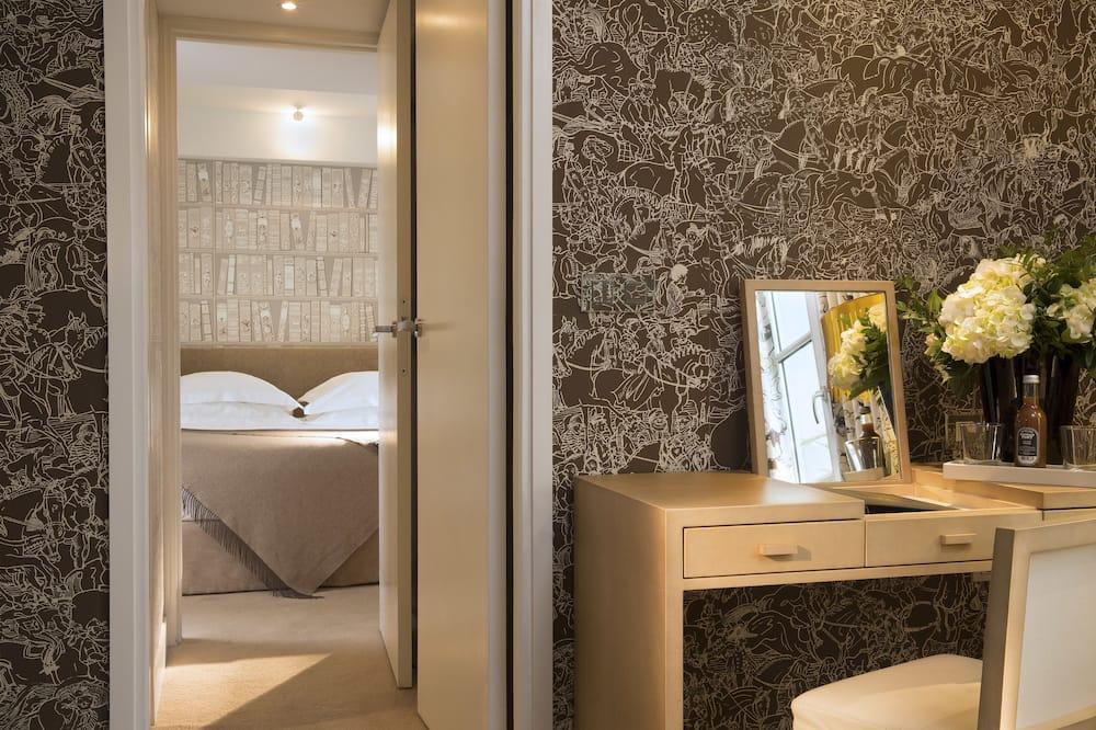 Suite (Parisienne) - Guest Room