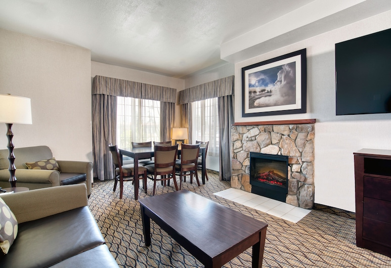 Holiday Inn - West Yellowstone, an IHG Hotel, West Yellowstone, Deluxe Suite, Non Smoking, Guest Room