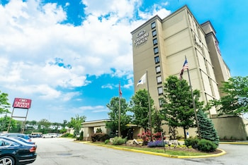 Picture of Crowne Plaza Newark Airport in Elizabeth