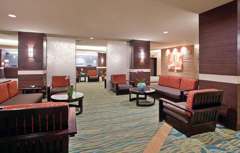 book holiday inn resort waikiki beachcomber honolulu from. Black Bedroom Furniture Sets. Home Design Ideas