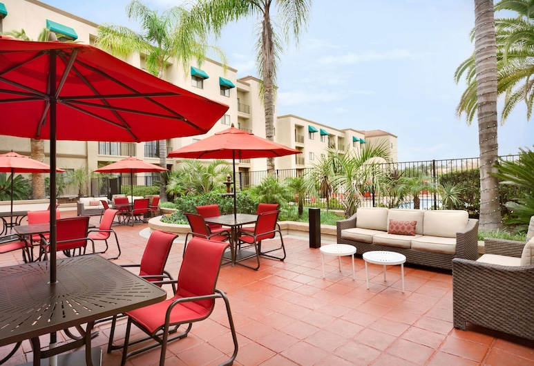 Embassy Suites by Hilton Temecula Valley Wine Country, Temecula, Terrace/Patio