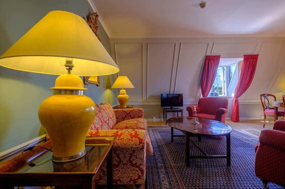 Superior Suite, 2 Bathrooms - Living Area