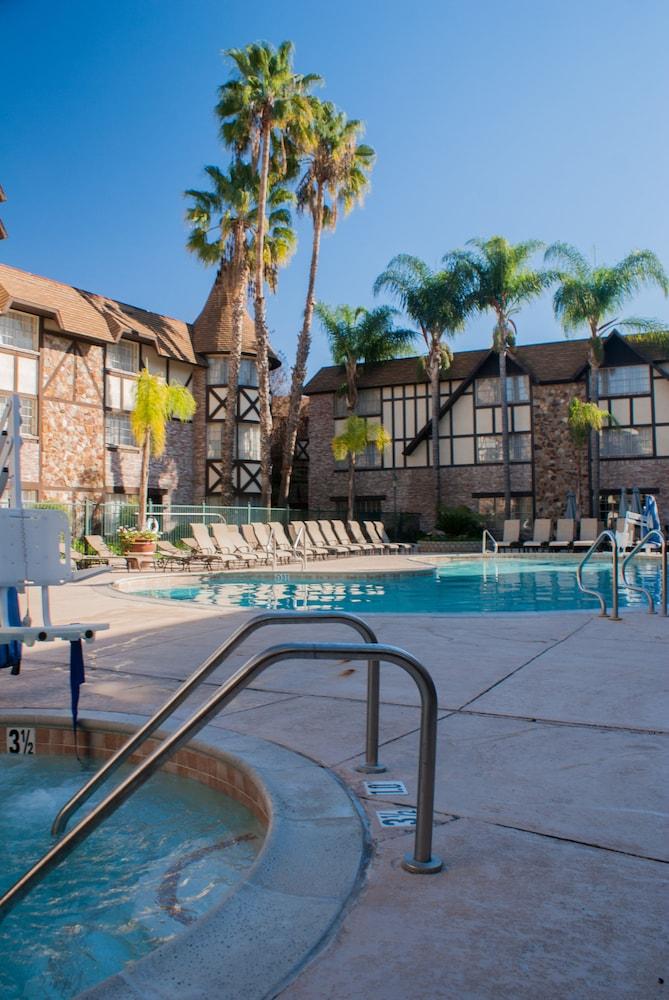 anaheim majestic garden hotel anaheim outdoor spa tub - Majestic Garden Hotel Anaheim