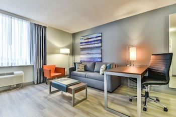 Picture of Radisson Suite Hotel - Toronto Airport in Toronto