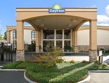 Picture of Days Inn Suites in Tuscaloosa