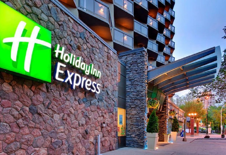 Holiday Inn Express Edmonton Downtown, Edmonton