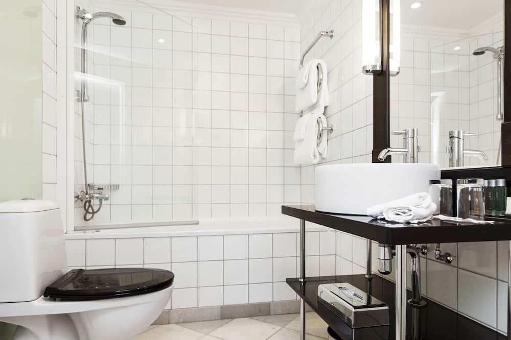 Superior Double or Twin Room, 1 Bedroom - Bathroom