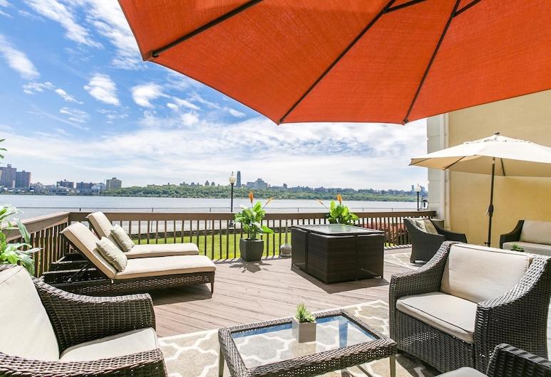 Comfort Inn Edgewater on Hudson River, Edgewater, Medence