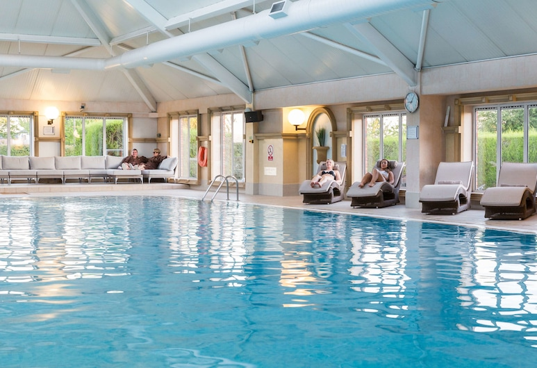 ذا بارك رويال, Warrington, حمام سباحة