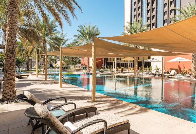 Sheraton Oman Hotel, มัสกัต, สระว่ายน้ำกลางแจ้ง