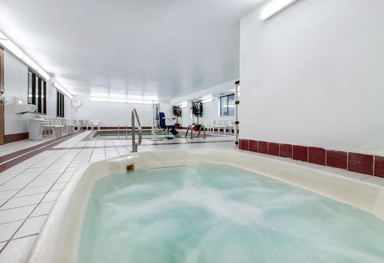 Econo Lodge, Oacoma, Pool