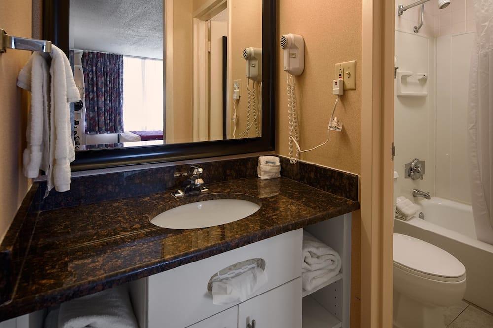 ADA Accessible, Standard Room, 1 Queen Bed, Non Smoking - Bathroom