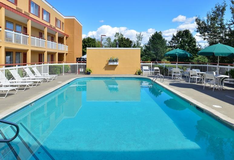 科爾切斯特至伯靈頓品質飯店, 科爾切斯特, 游泳池