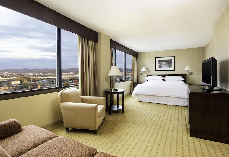 Sheraton Birmingham Hotel, Birmingham, Junior Suite, 1 King Bed, Guest Room