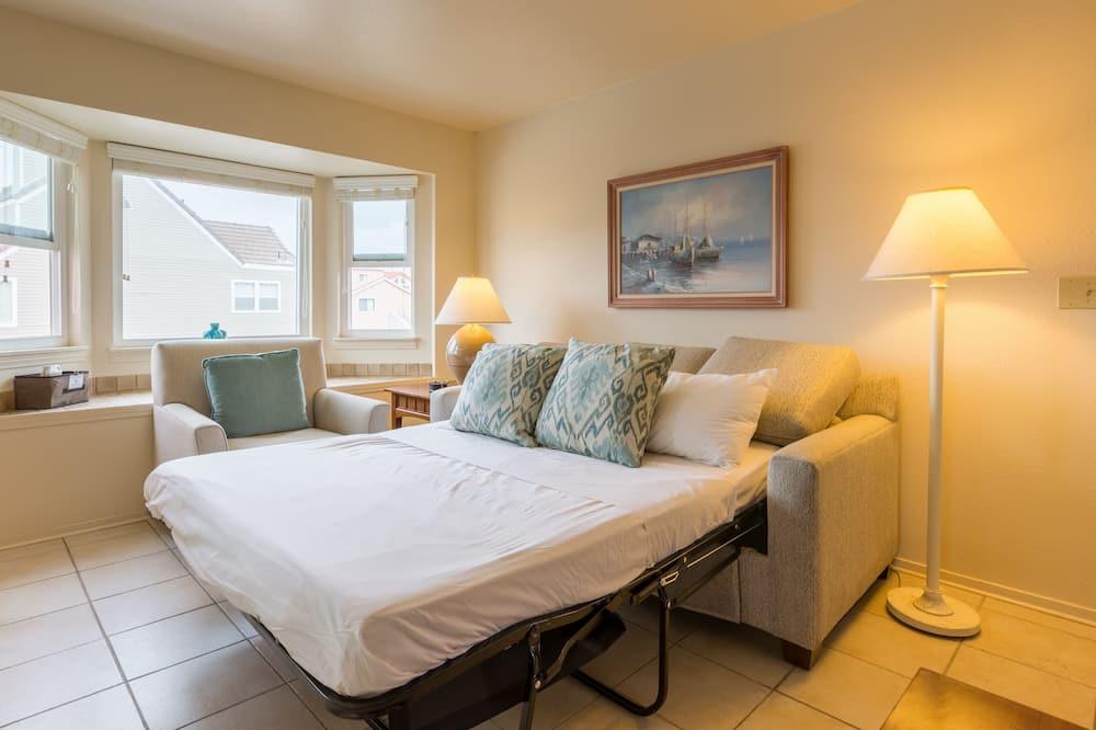 Condo, 1 Bedroom, Non Smoking (1 Queen Bed & Sofa bed) - Living Room