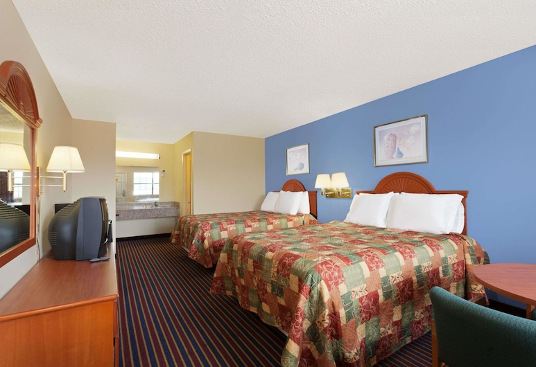 Days Inn by Wyndham Downtown-Nashville West Trinity Lane, Nashville, Double Room, 2 Double Beds, Smoking, Guest Room