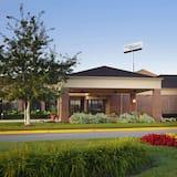 Sonesta Select Milwaukee Brookfield, Brookfield