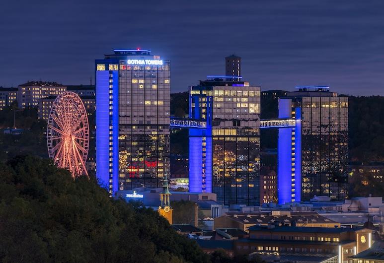 Gothia Towers, Göteborg, Hotellfasad - kväll
