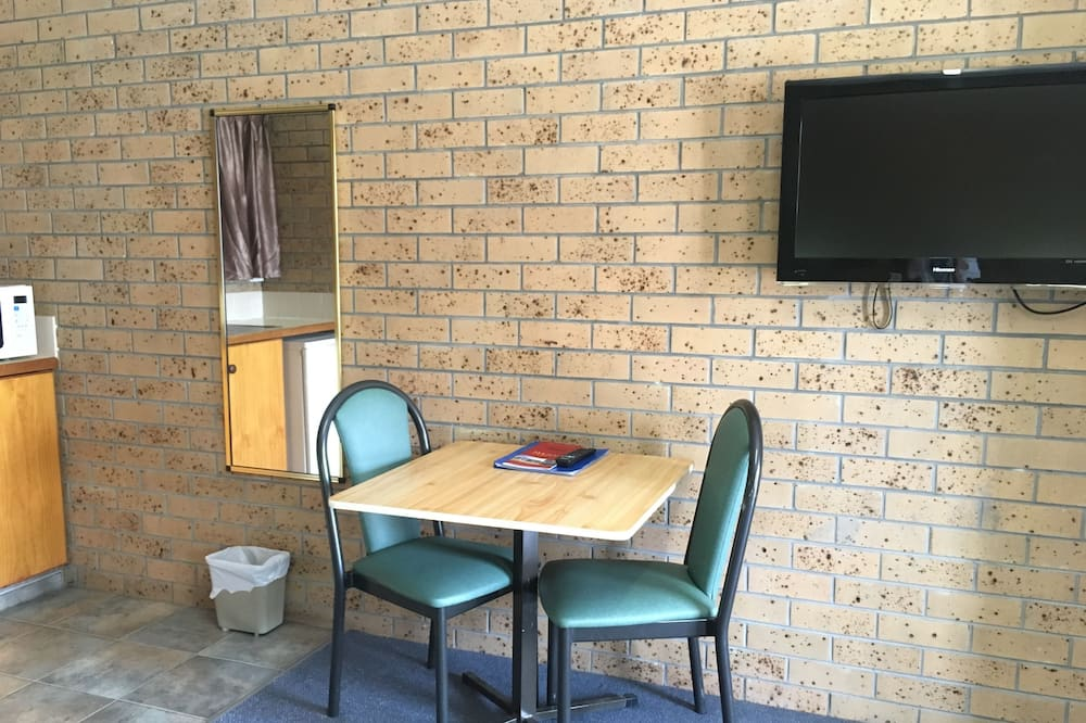 Standard Room, Non Smoking, Kitchenette - Living Area