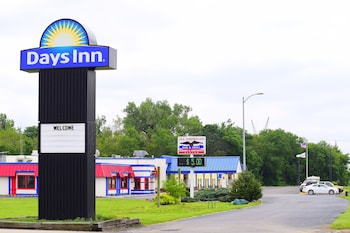 Picture of Days Inn - Rock Falls in Rock Falls