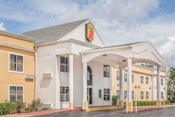 Picture of Super 8 by Wyndham Athens in Huntsville
