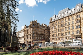 Picture of Old Waverley Hotel in Edinburgh