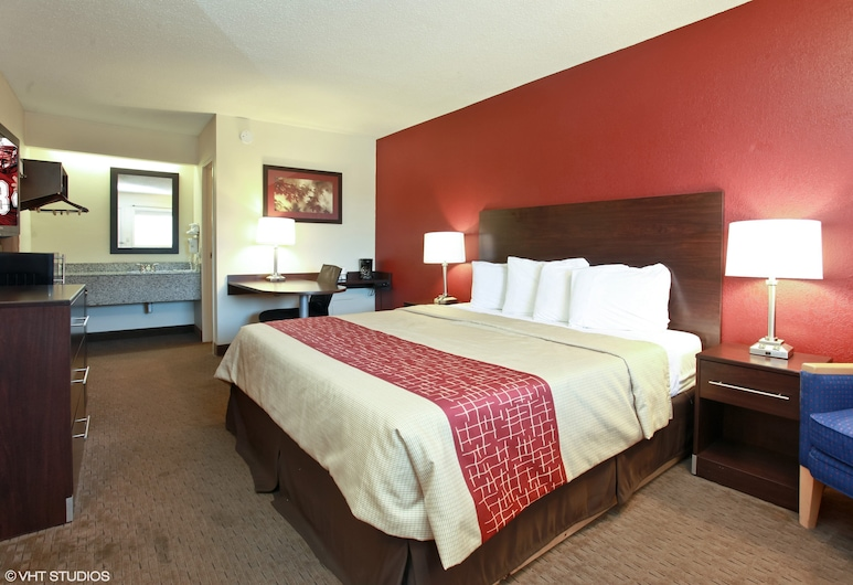 Red Roof Inn Michigan City, Michigan City, Superior Room, 1 King Bed, Non Smoking, Exterior