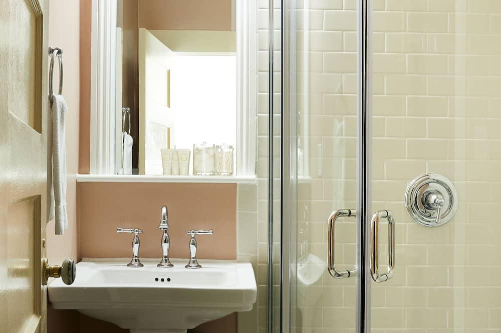 デラックス ルーム キングベッド 1 台 暖炉 - バスルーム