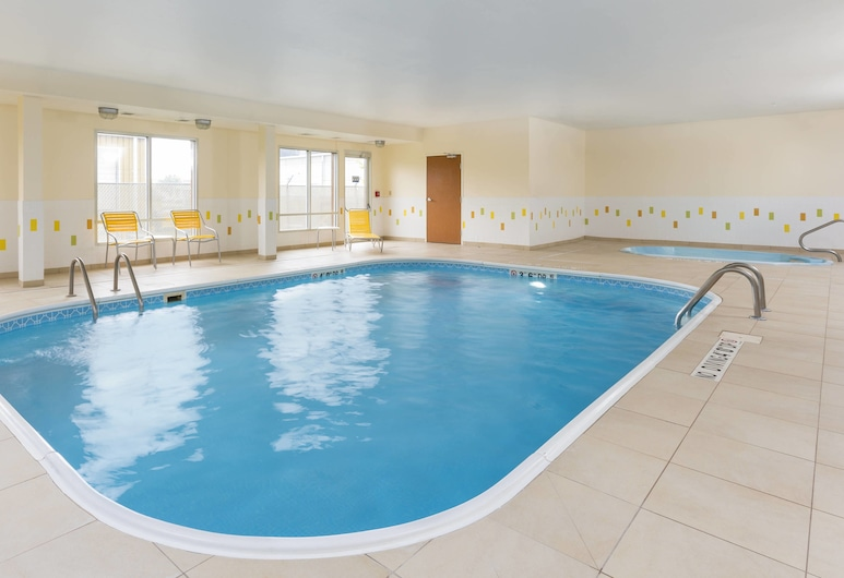 Fairfield Inn & Suites Lincoln, Lincoln, Indoor Pool